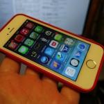 ケースはとりあえず無難な感じでコレにした。iPhone 5s Case  (PRODUCT) RED